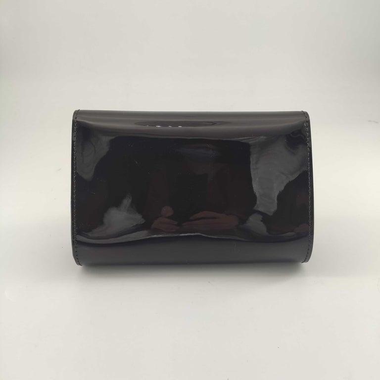 Black LOUIS VUITTON Louise PM Shoulder bag in Purple Patent leather For Sale