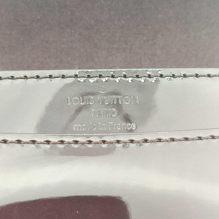 LOUIS VUITTON Louise PM Shoulder bag in Purple Patent leather For Sale 1