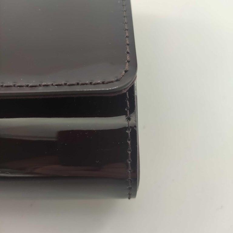 LOUIS VUITTON Louise PM Shoulder bag in Purple Patent leather For Sale 4