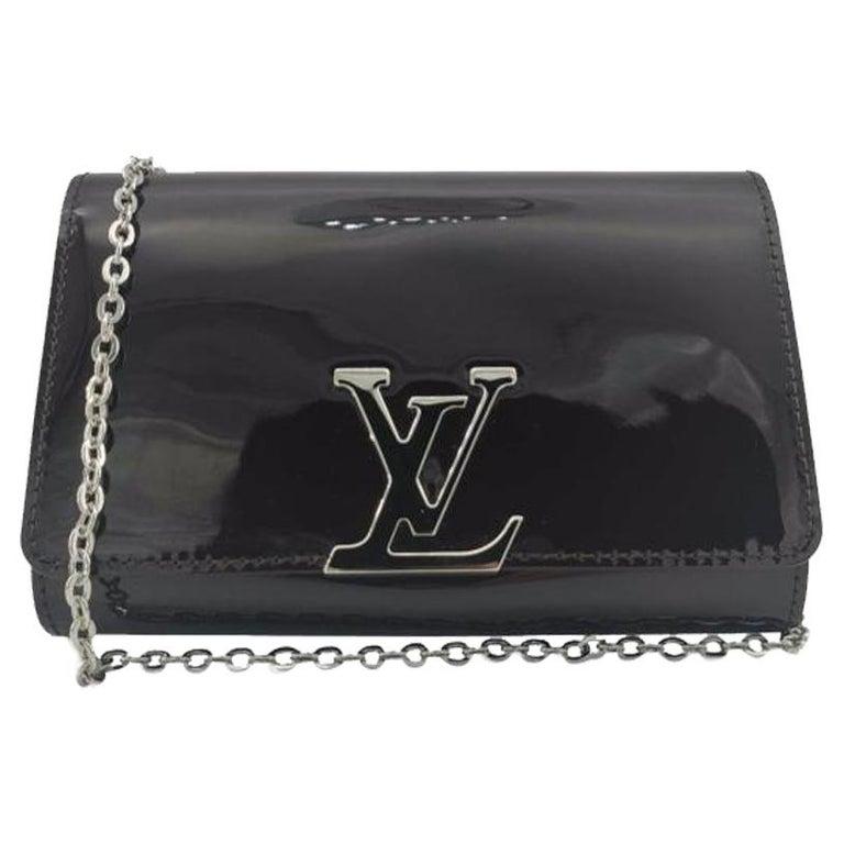 LOUIS VUITTON Louise PM Shoulder bag in Purple Patent leather For Sale