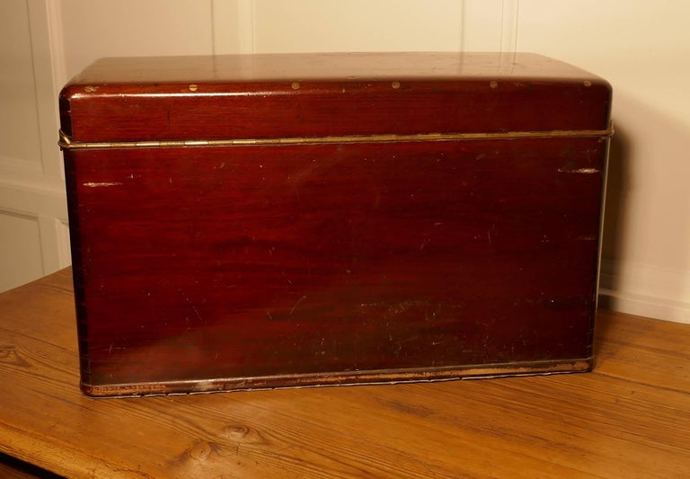 Louis Vuitton Mahogany Automobile Running Board Tool Box for a Vintage Car In Good Condition For Sale In Chillerton, Isle of Wight