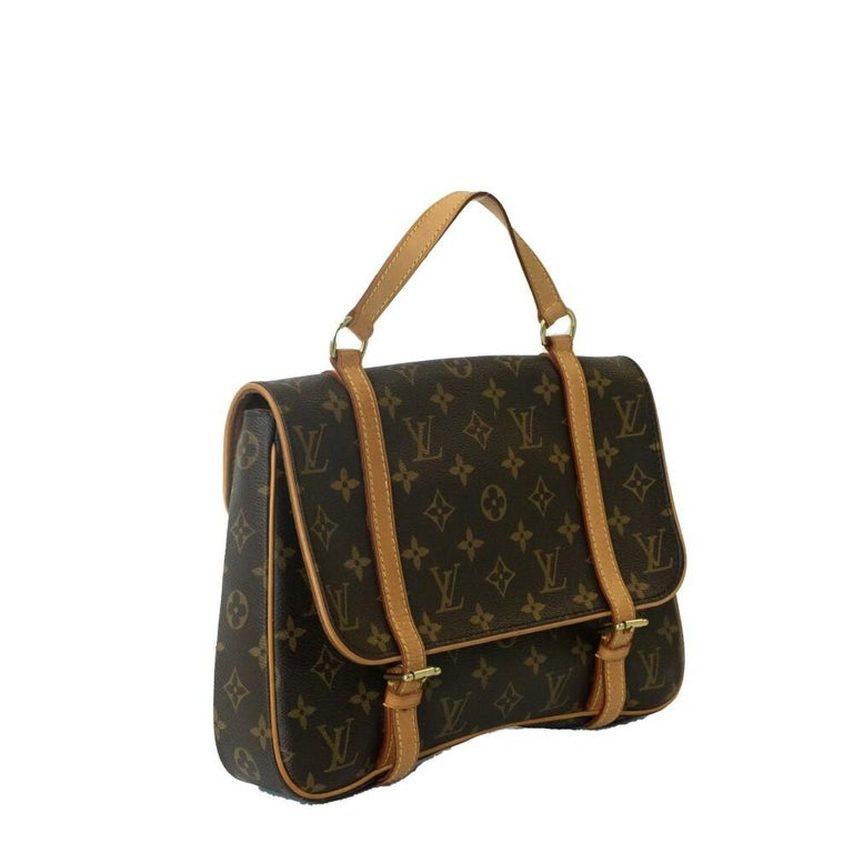 - Designer: LOUIS VUITTON - Model: Marelle - Condition: Very good condition. Minor sign of wear on base corners, Few scratches, Scratches on hardware - Accessories: Dustbag - Measurements: Width: 30cm, Height: 19cm, Depth: 4,5cm, Strap: 37cm -