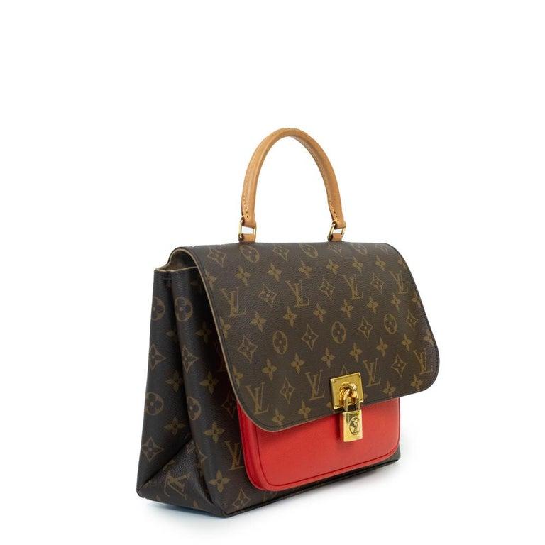 - Designer: LOUIS VUITTON - Model: Marignan - Condition: Very good condition. Scratches on the clasp - Accessories: Dustbag - Measurements: Width: 28cm , Height: 22cm , Depth: 9cm , Strap: 115cm - Exterior Material: Canvas - Exterior Color: Brown -