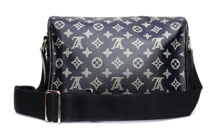 Louis Vuitton Messenger Encre Monogram Chapman Savane Black/Blue In Good Condition For Sale In Torre Del Greco, IT