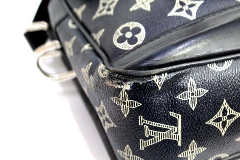 Louis Vuitton Messenger Encre Monogram Chapman Savane Black/Blue For Sale 2