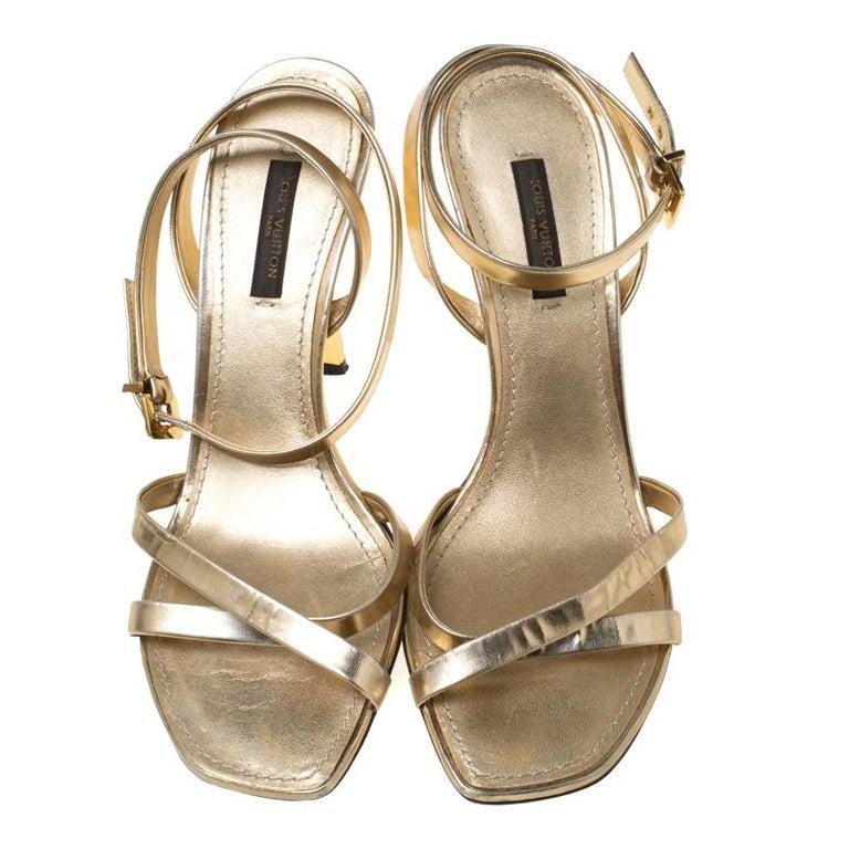 Louis Vuitton Metallic Gold Leather Classic Strappy Sandals Size 37 In Good Condition For Sale In Dubai, Al Qouz 2