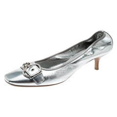 Louis Vuitton Metallic Silver Leather Buckle Detail Pumps Size 40.5