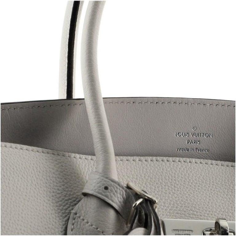 Louis Vuitton Milla Handbag Veau Nuage Calfskin MM For Sale 2