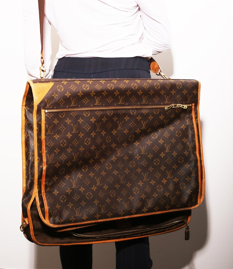Louis Vuitton Monogram 56cm Garment Bag Luggage Carrier  In Good Condition For Sale In  Bilbao, ES