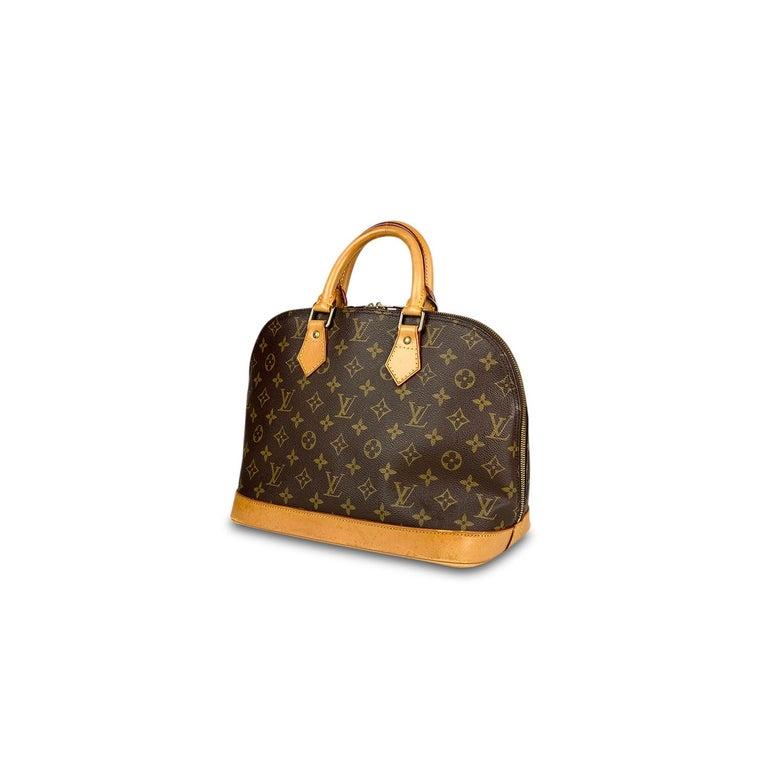 Louis Vuitton Monogram Alma PM Handbag In Good Condition For Sale In Sundbyberg, SE