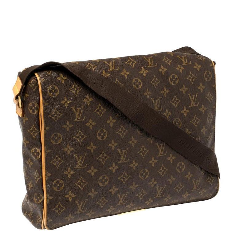 Louis Vuitton Monogram Canvas Abbesses Messenger Bag In Good Condition For Sale In Dubai, Al Qouz 2