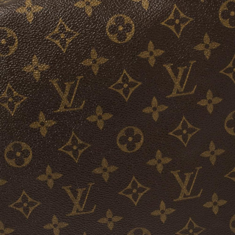 Louis Vuitton Monogram Canvas Abbesses Messenger Bag For Sale 4