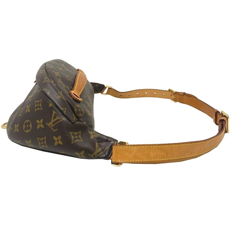Louis Vuitton Monogram Canvas BumBag  In Good Condition For Sale In Boca Raton, FL