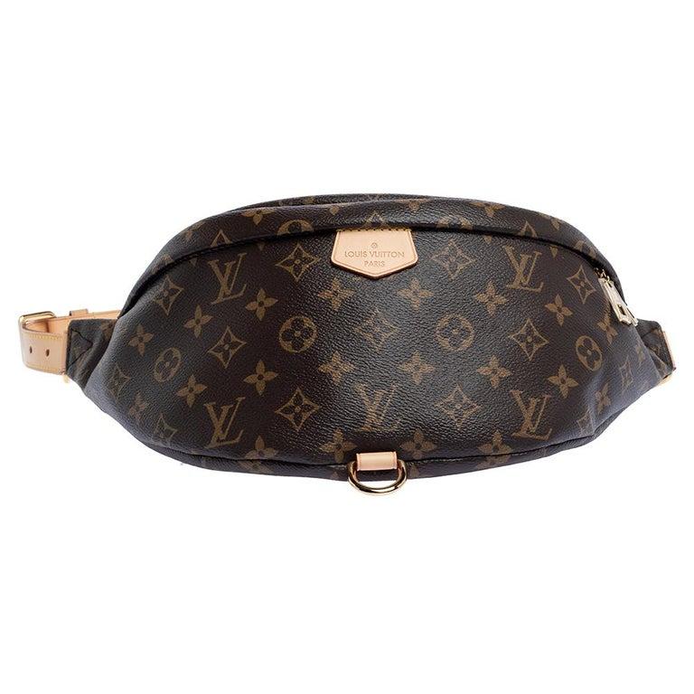 Louis Vuitton Monogram Canvas Bumbag MM Belt Bag In Excellent Condition For Sale In Dubai, Al Qouz 2
