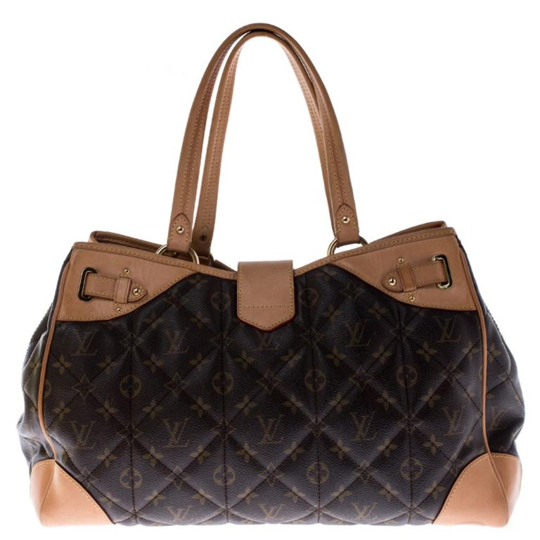Picture yourself swinging this gorgeous bag at your shopping sprees and imagine how it'll not only complement all your outfits but fetch you endless admiring glances. You can now make your vision come true by owning it today. This Louis Vuitton