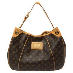 Louis Vuitton Monogram Canvas Galliera PM BagYour dream to own an appealing Loui