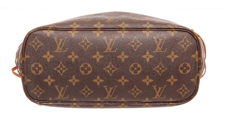 Women's Louis Vuitton Monogram Canvas Leather Neverfull PM Tote Bag For Sale