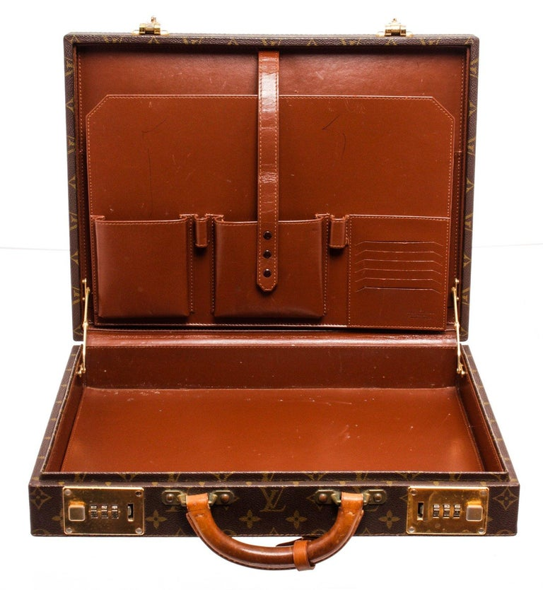 Louis Vuitton Monogram Canvas Leather President Briefcase In Good Condition For Sale In Irvine, CA