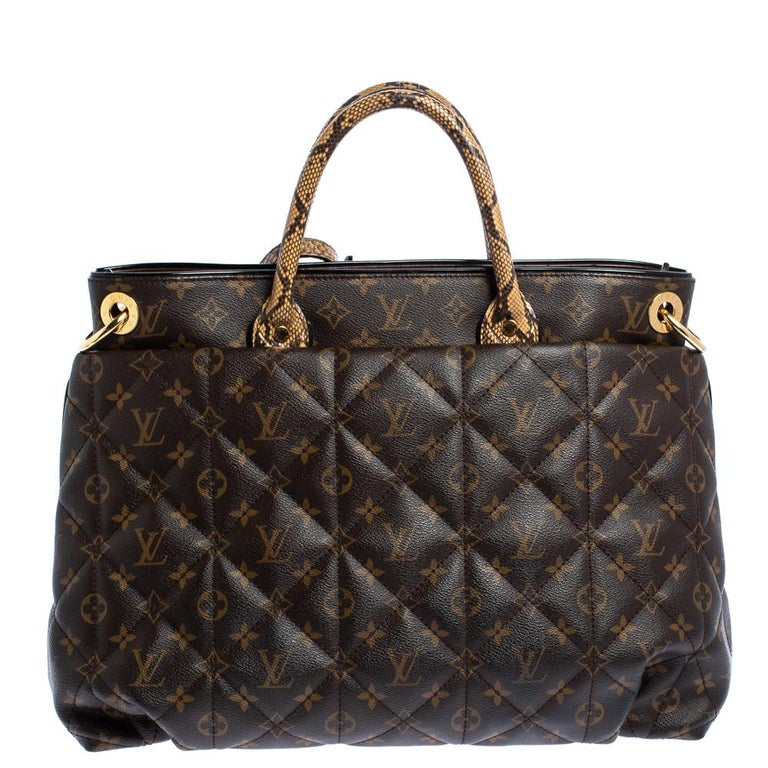 Louis Vuitton Monogram Canvas Limited Edition Etoile Exotique GM Bag In Good Condition For Sale In Dubai, Al Qouz 2
