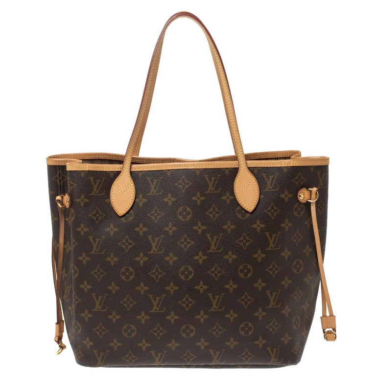 Louis Vuitton's Neverfull was first introduced in 2007, and even today it is a popular design. Crafted from monogram coated canvas, this Neverfull is gorgeous. The bag has drawstrings on the sides, a spacious canvas interior that can house all your
