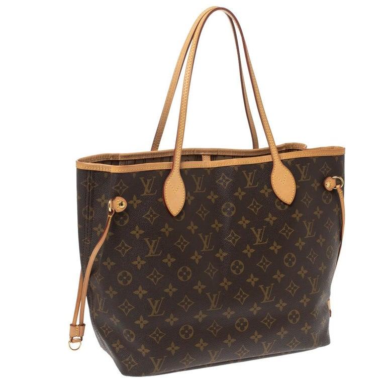 Louis Vuitton Monogram Canvas Neverfull MM Bag In Good Condition In Dubai, Al Qouz 2