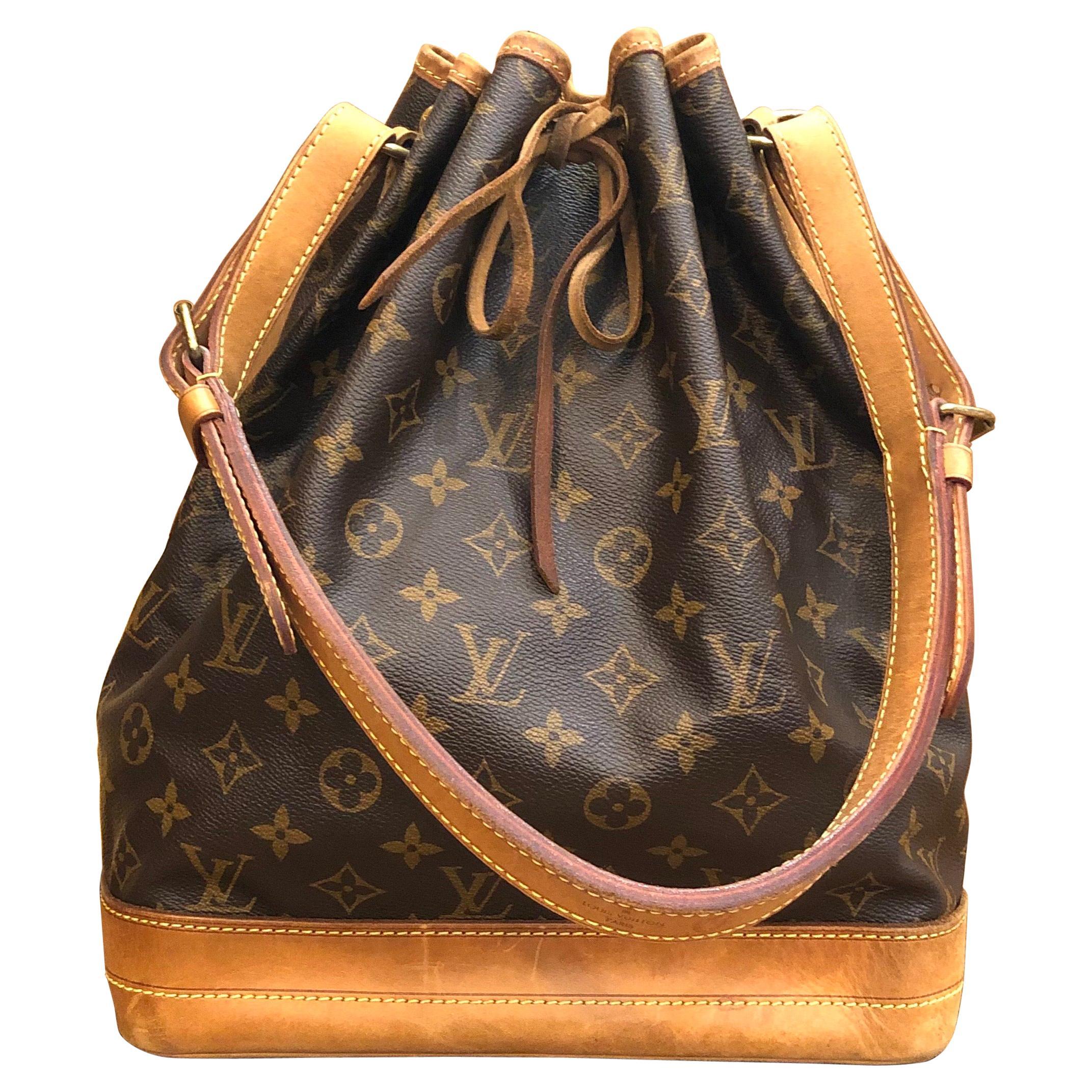 2011 Louis Vuitton Monogram Canvas Noe GM Shoulder Bag
