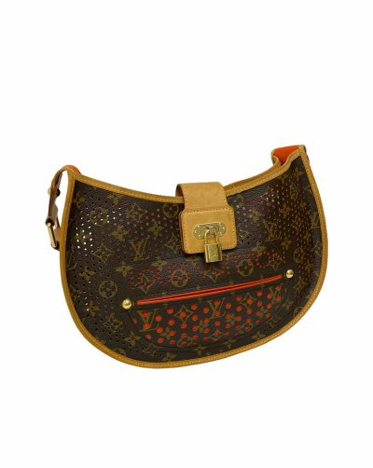 Louis Vuitton Monogram Canvas Perforated Shoulder Bag  In Good Condition For Sale In Torre Del Greco, IT