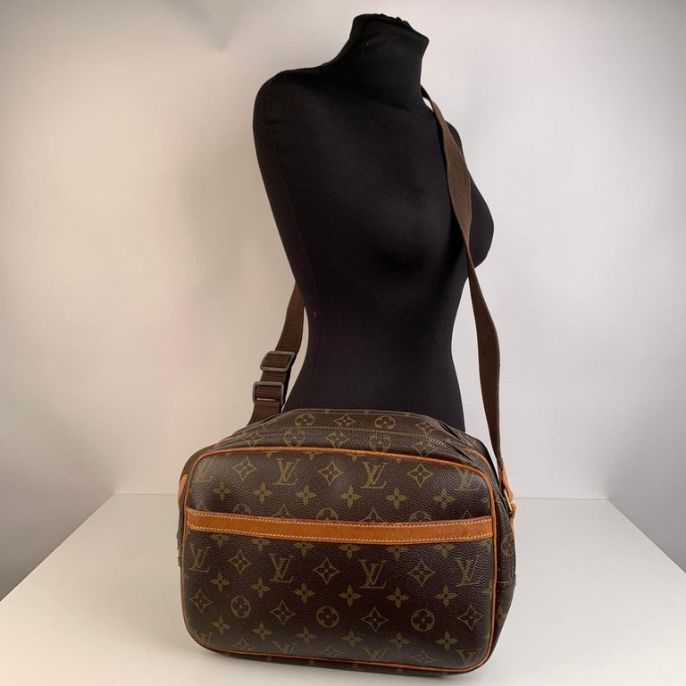 Louis Vuitton Monogram Canvas Reporter PM Crossbody Bag In Excellent Condition For Sale In Rome, Rome