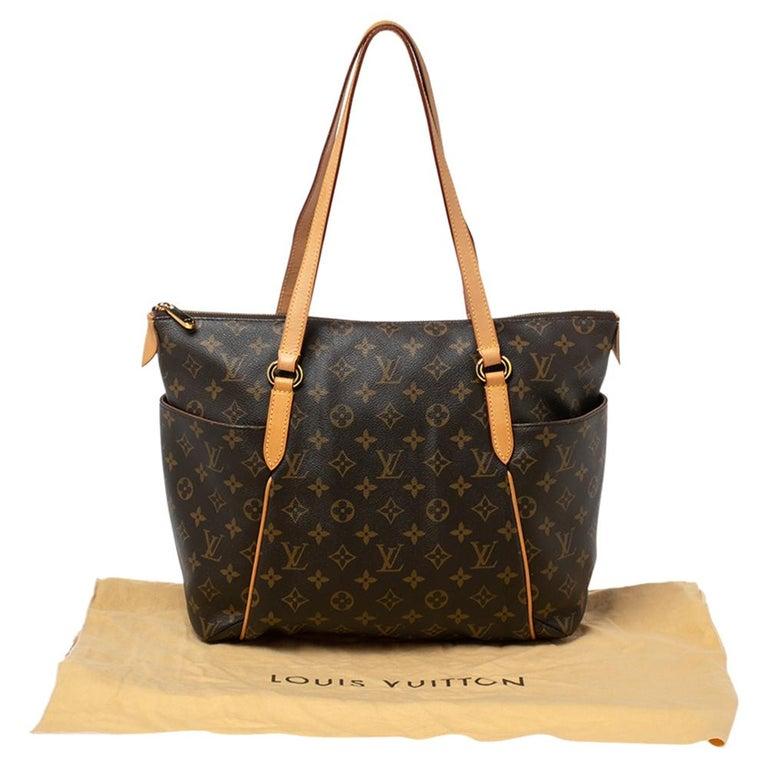 Louis Vuitton Monogram Canvas Totally MM Bag For Sale 7