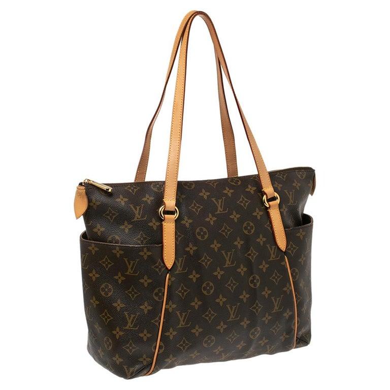 Louis Vuitton Monogram Canvas Totally MM Bag In Good Condition For Sale In Dubai, Al Qouz 2