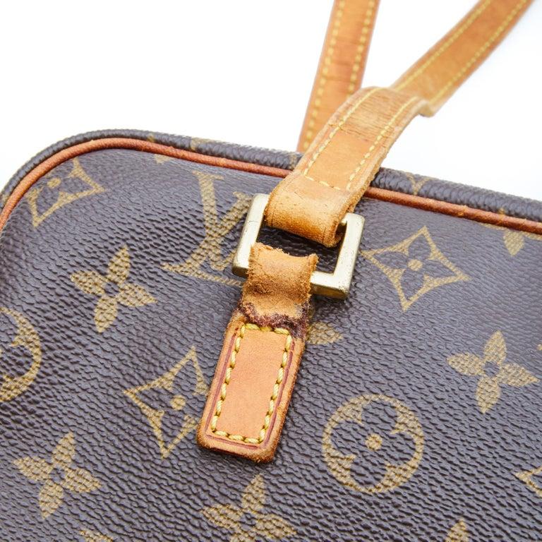 Louis Vuitton Monogram Cite Shoulder Bag (2002) In Good Condition For Sale In Montreal, Quebec