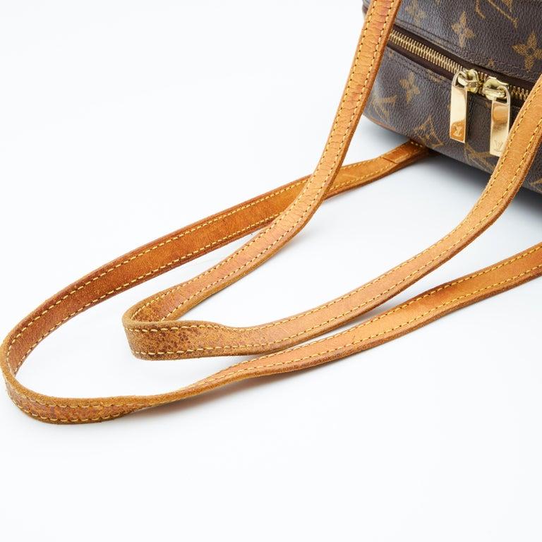 Women's Louis Vuitton Monogram Cite Shoulder Bag (2002) For Sale