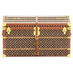 Louis Vuitton Monogram Deco Desk Table Paperweight Trunk