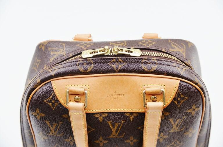 Louis Vuitton Monogram Excursion Shoe bag vintage  For Sale 5