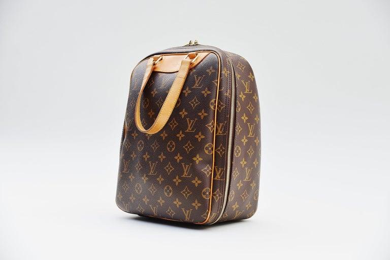 Brown Louis Vuitton Monogram Excursion Shoe bag vintage  For Sale