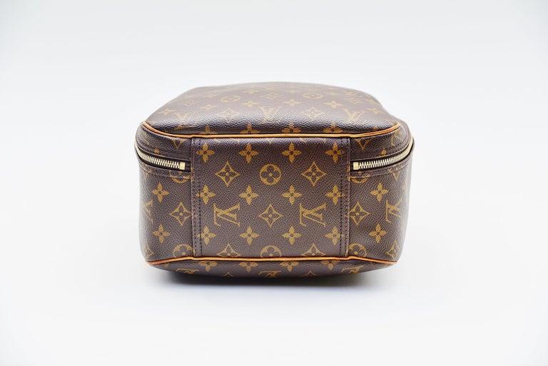 Women's or Men's Louis Vuitton Monogram Excursion Shoe bag vintage  For Sale