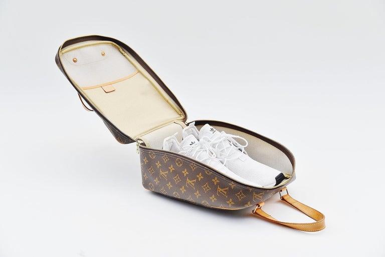 Louis Vuitton Monogram Excursion Shoe bag vintage  For Sale 1