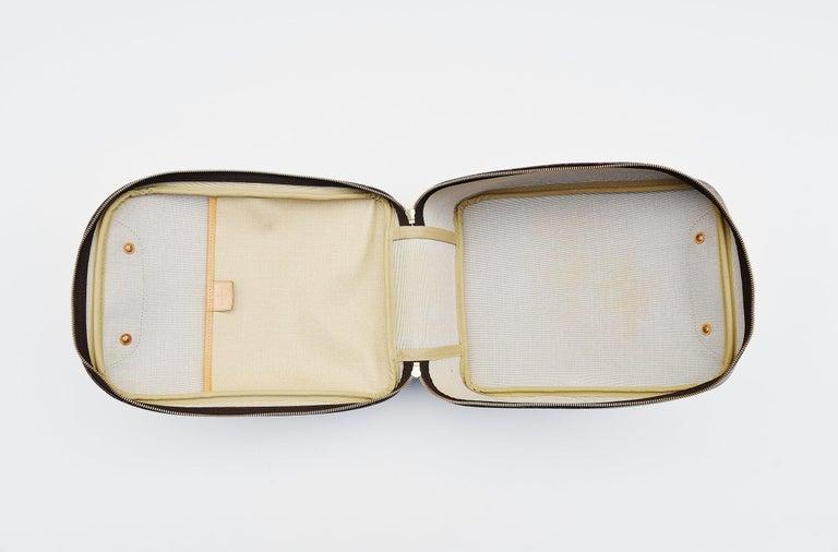 Louis Vuitton Monogram Excursion Shoe bag vintage  For Sale 2