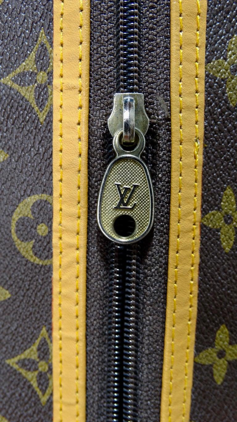Louis Vuitton Monogram Foldable Garment Bag In Good Condition For Sale In Scottsdale, AZ