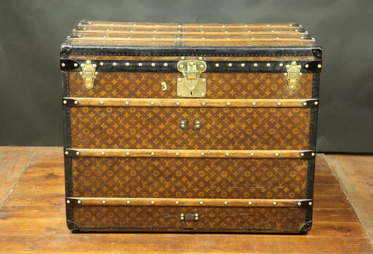 Louis Vuitton monogram high trunk Made between 1909 and 1914 Lozin borders  Monogram canvas with stencil.