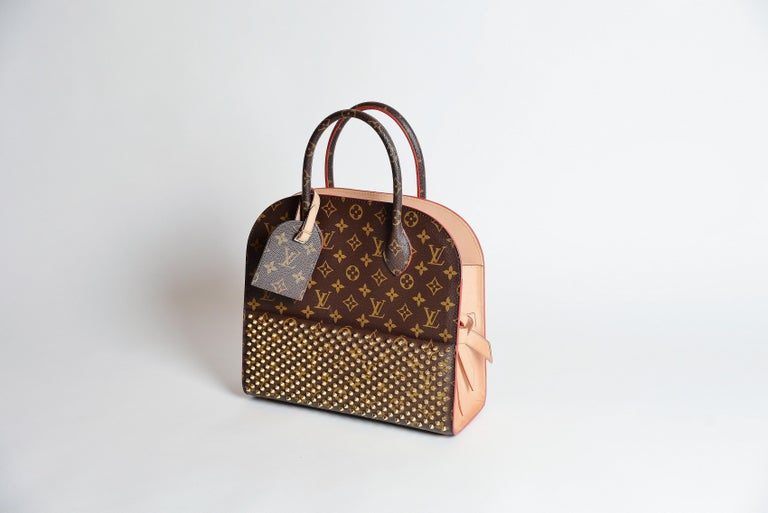 Louis Vuitton Monogram Iconoclast Christian Louboutin bag In Good Condition For Sale In Roosendaal, NL