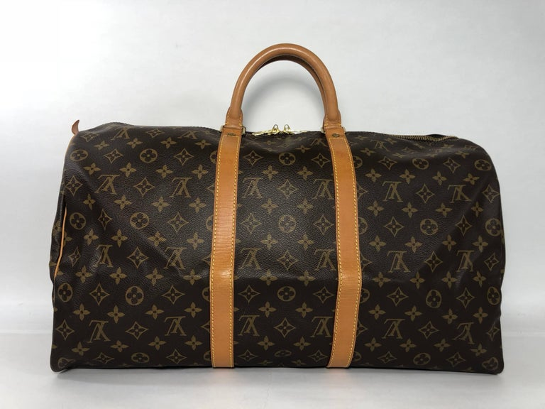 Louis Vuitton Monogram Keepall 50 Travel Bag In Good Condition For Sale In Saint Charles, IL
