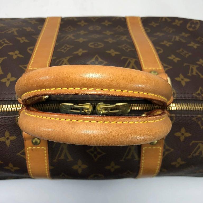Women's or Men's Louis Vuitton Monogram Keepall 50 Travel Bag For Sale