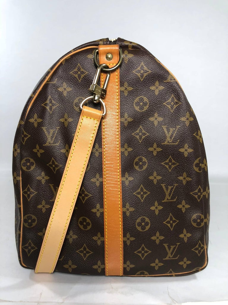 Louis Vuitton Monogram Keepall Bandoliere 60 Bag In Good Condition For Sale In Saint Charles, IL