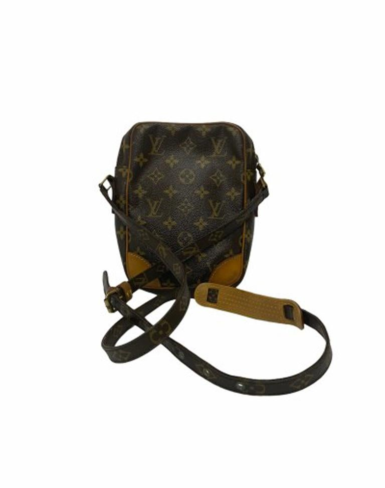 Louis Vuitton Monogram Leather Danube Bag In Good Condition For Sale In Torre Del Greco, IT