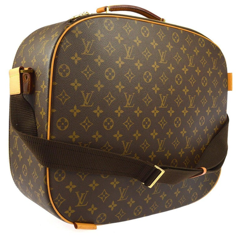 Monogram canvas Leather trim Woven lining Date code present Made in France Handle drop 3.5