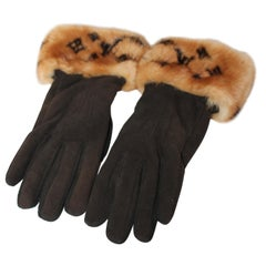 Louis Vuitton Monogram Mink Gloves
