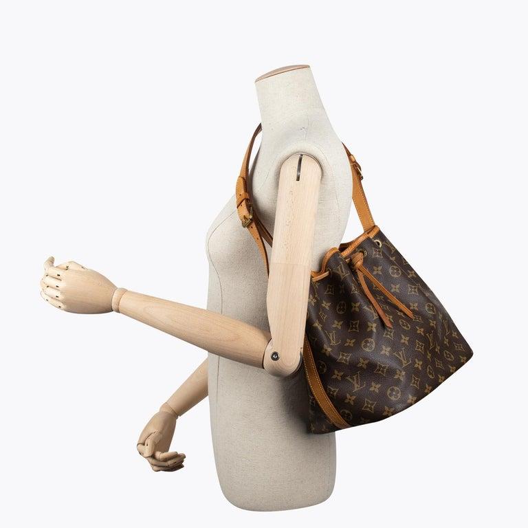 Louis Vuitton Monogram Petit Noé Bag For Sale 6