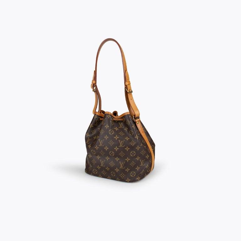 Louis Vuitton Monogram Petit Noé Bag In Good Condition For Sale In Sundbyberg, SE