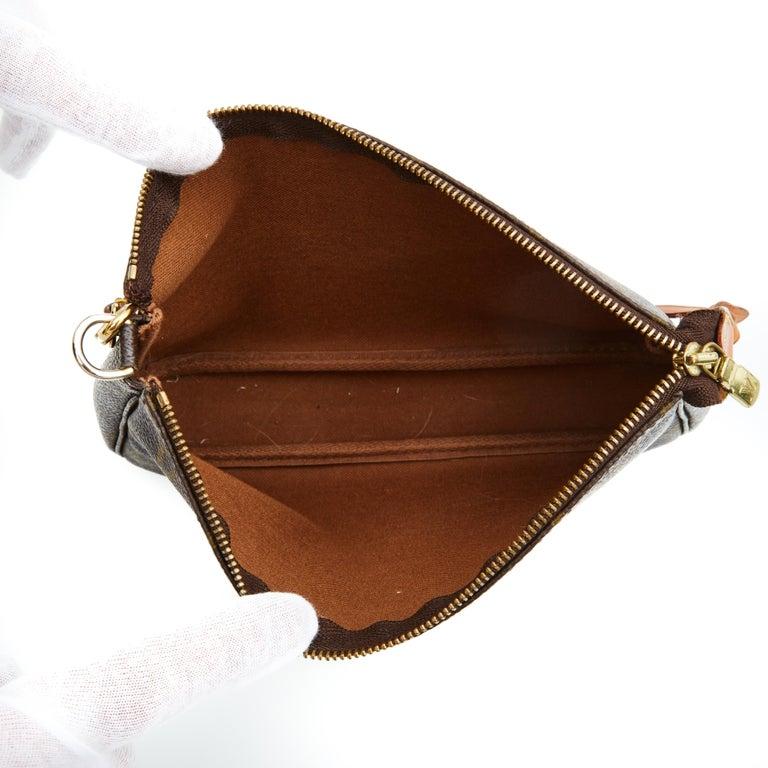 Louis Vuitton Monogram Pochette Accessories Bag 2001 For Sale 1